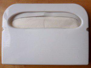Zásobník na WC sedátka